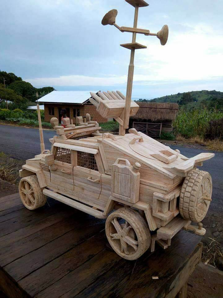 Wooden-armoured-vehicle-2.jpg