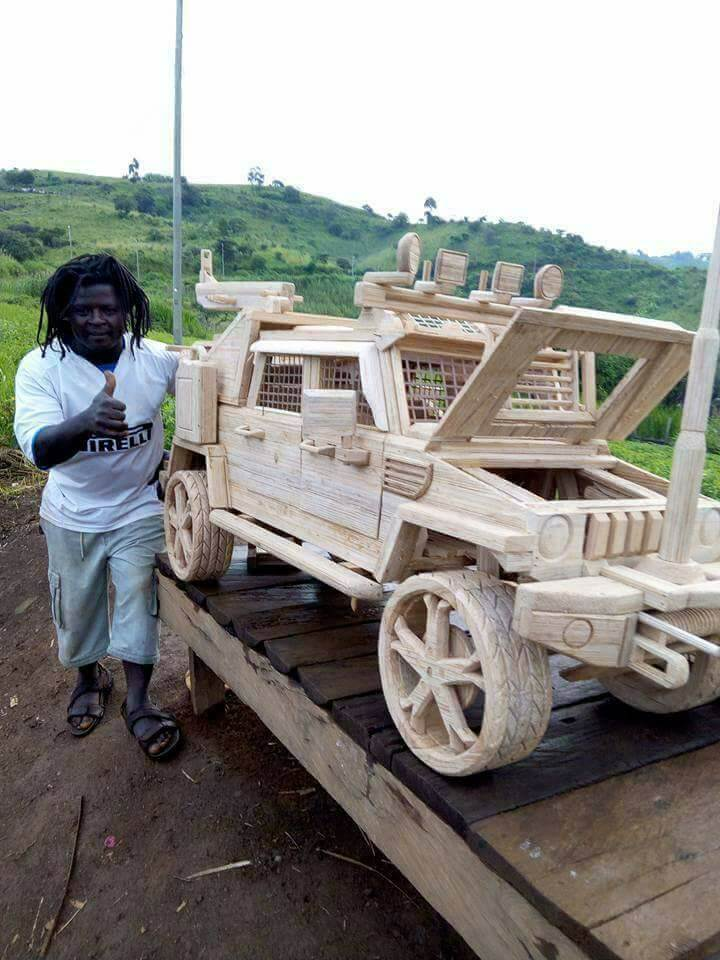 Wooden-armoured-vehicle-6.jpg